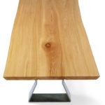 IX282 Esstisch Rüster geölt, 3-teilige massive Bohlenplatte mit geschliffener Baumkante, Gestell Rohlstahl lackiert