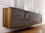 SQ353 Wandsideboard Nussbaum geölt, Glas quarzgrau