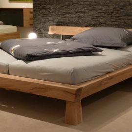DR186 Bett aus massiven Eichen-Balken, geölt