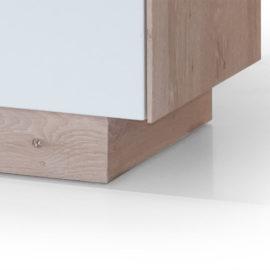 Holzsockel als Standardausführung, Edelstahlkufen optional